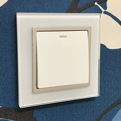 RetroTouch Crystal White Glass Chrome Trim  Sockets & Switches